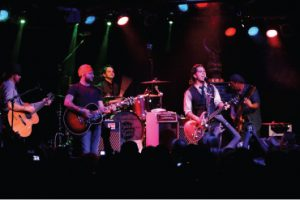 Ragweed's last hurrah, cont.: (from left) Grady Cross, guest Stoney LaRue, Randy Ragsdale, Cody Canada and Jeremy Plato. (Photo by Jeff Dykhuis)