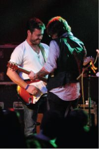 Two man electric jam: James and Canada in Chicago. (Photo by Jeff Dykhuis)