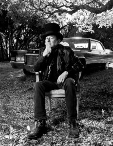 Joe Ely and Stubb's cadillac. (Photo by Valerie Fremin)