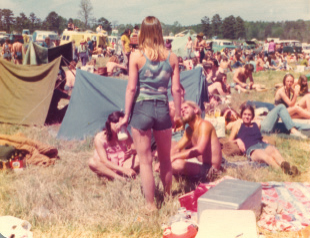 Judy holding court at Willie Nelson's 4th of July Picnic in College Station, Texas, 1974. (Courtesy Judy Hubbard)