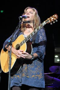 "Terri Hendrix performing at ""Fire Relief: The Concert for Central Texas"" (Photo by Roy Mata)"