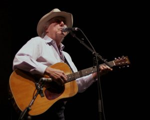 "Jerry Jeff Walker performing ""My Favorite Picture of You"" (Photo by Machelle Dunlop)"