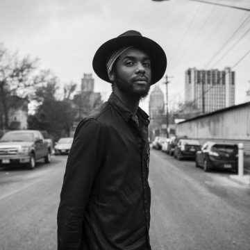 Photo by Frank Maddocks