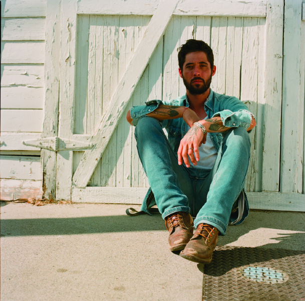 Ryan Bingham (Photo by Anna Axter)