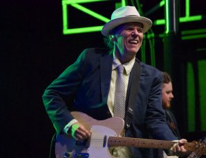 John Hiatt (Photo by Lynne Margolis)