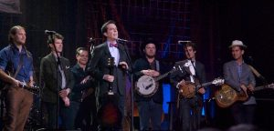 That guy from The Office and The Hangover — aka banjo-loving actor Ed Helms — presenting Old Crow Medicine Show with the AMA's Trailblazer Award. (Photo by Lynne Margolis)