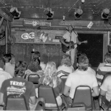 Todd Snider at Cheatham Street. (Courtesy Cheatham Street Foundation Archives)