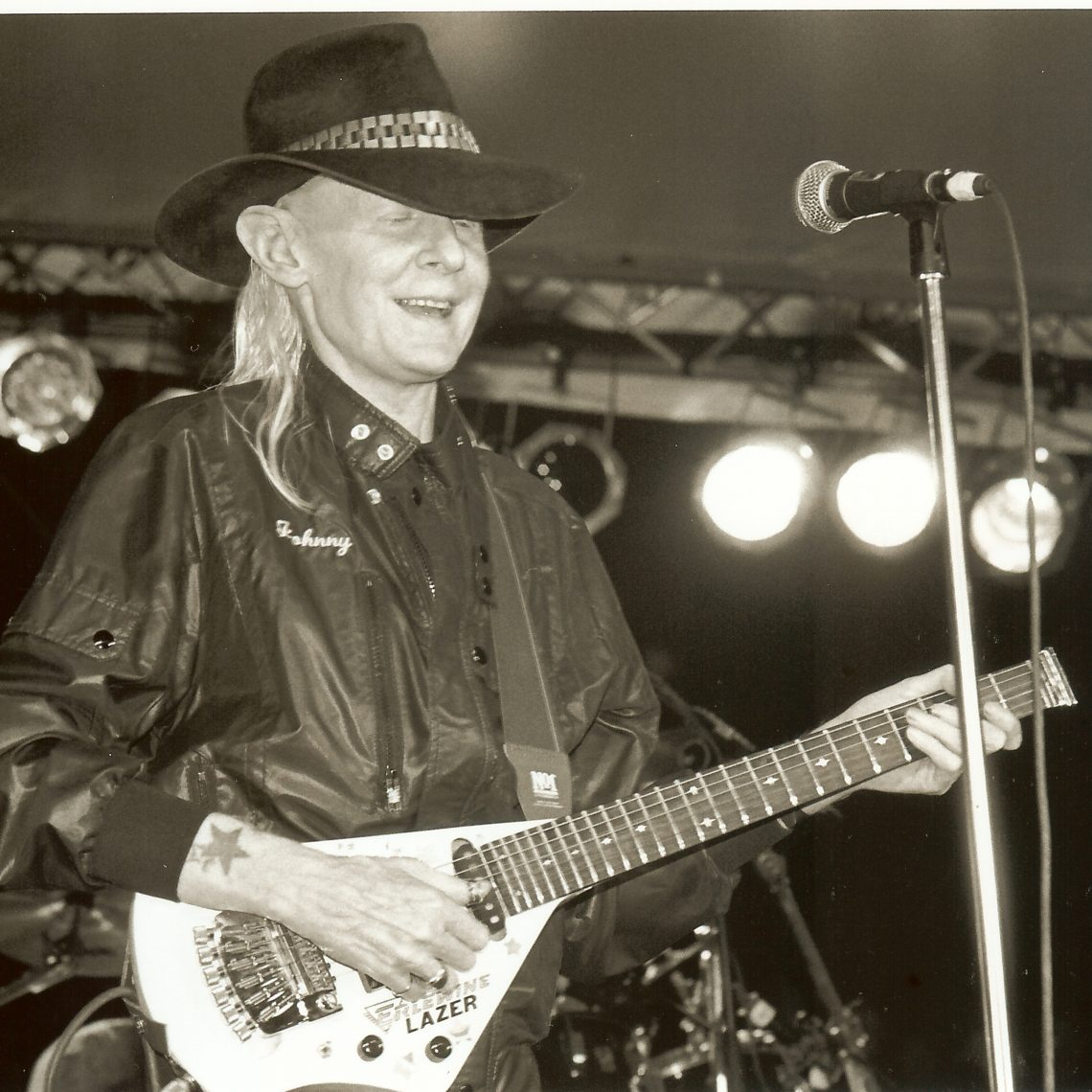Johnny Winter (Photo by John Carrico)