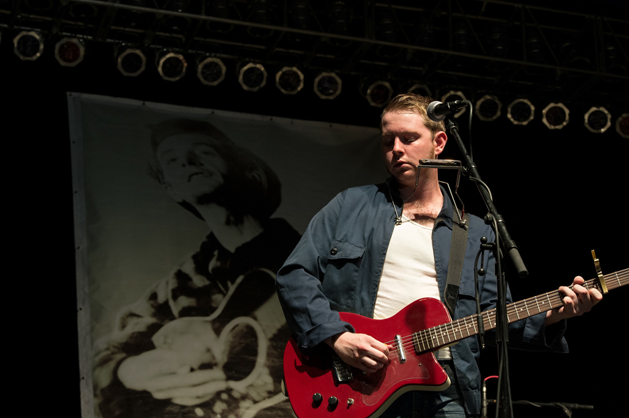 John Fullbright at WoodyFest (Photo by Vicki Farmer)