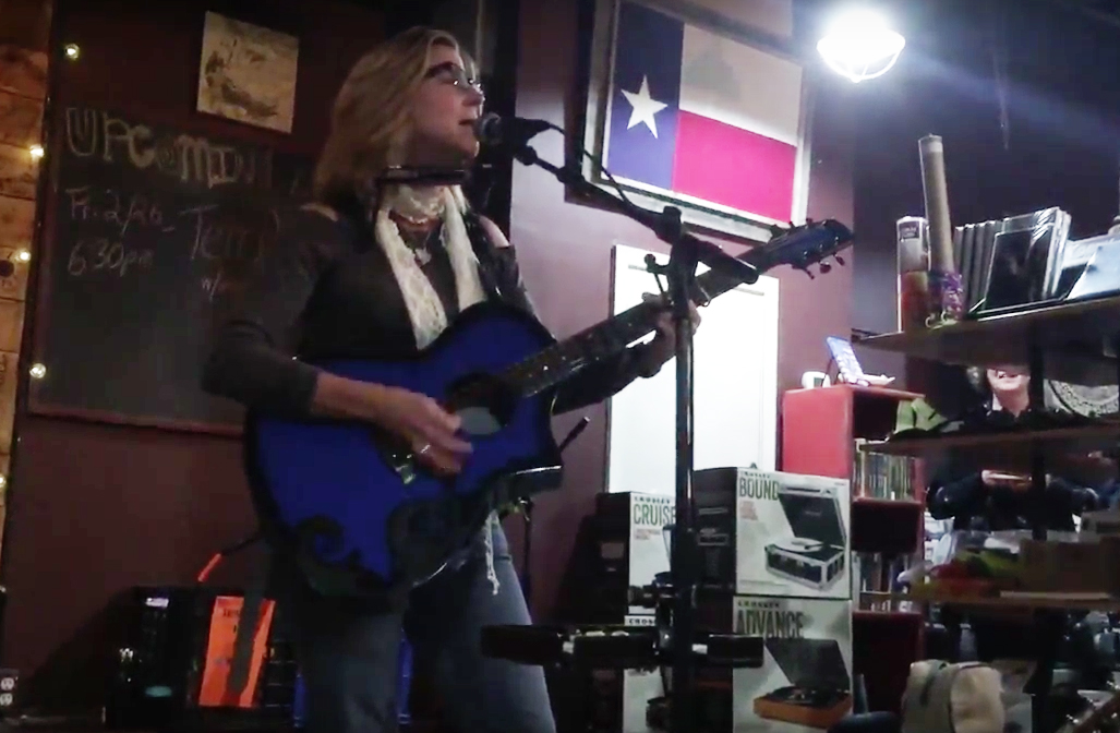 Terri Hendrix at Superfly's Lone Star Music Emporium (Photo by Richard Skanse)