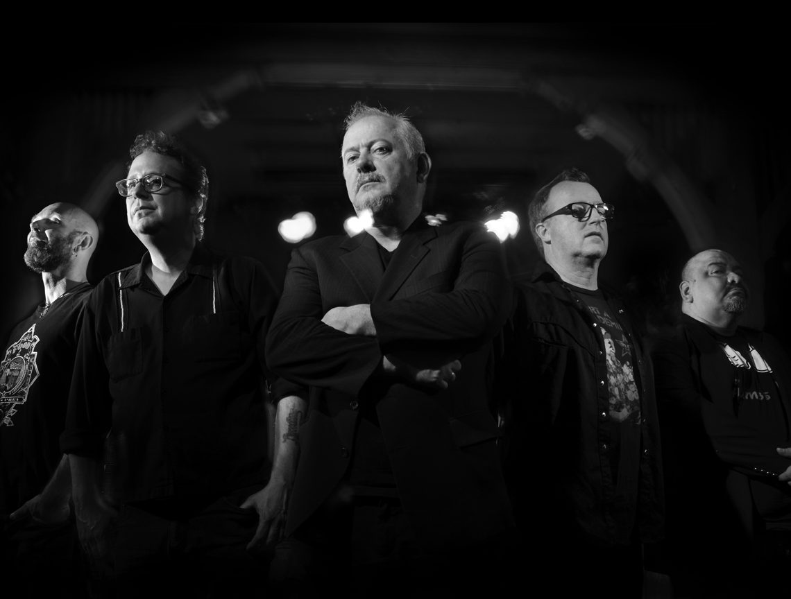 Jon Langford (center) with the Waco Brothers (Photo by Paul Beaty)