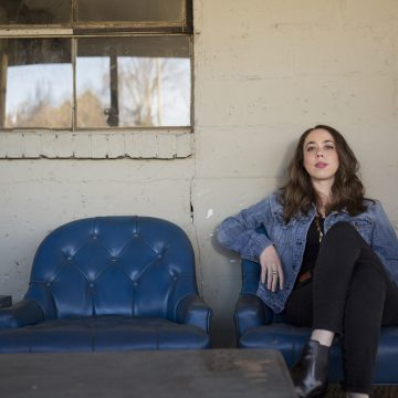 Sarah Jarosz (Photo by Scott Simontacchi)