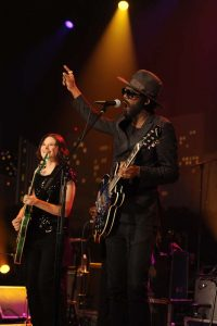 Next generation guitar heroes Gary Clark Jr. and Eve Monsees salute the late B.B. King. (Photo by Scott Newton, Courtesy KLRU-TV/Austin City Limits)