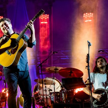 Mumford & Sons (Photo by Roger Ho, Fresh and Clean Media / C3 Presents)