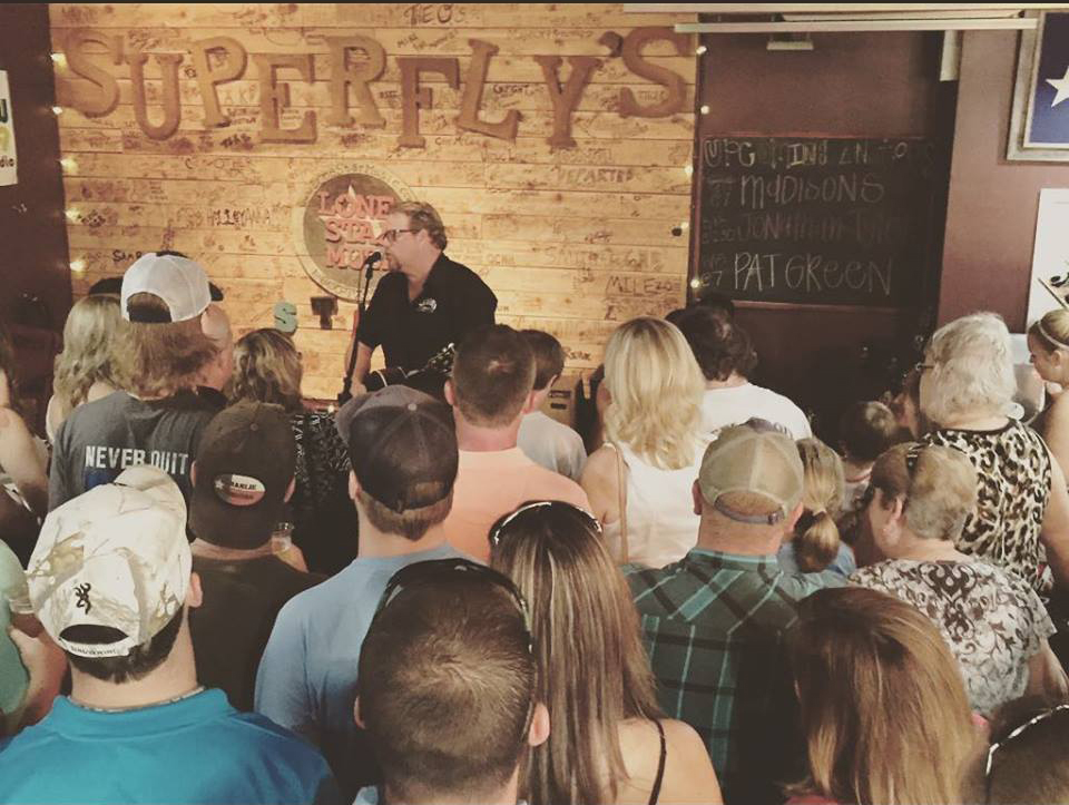 Pat Green at Superfly's Lone Star Music Emporium on Aug. 15, 2015. (Photo by Richard Skanse)