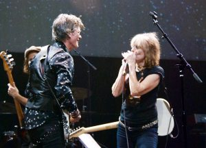 Charlie Sexton with special guest Chrissie Hynde, who hit the Moody Theater right after her band, the Pretenders, opened for Stevie Nicks at the Frank Erwin Center. (Photo by Lynne Margolis)