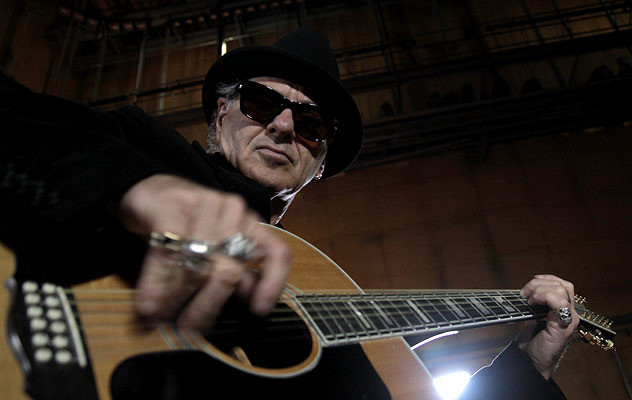 """""""I desperately needed a way to perform it live,"""" says Austin songwriter Bill Carter of his decision to redo his """"Crossfire"""" as an acoustic blues number. """"I can't just scream it out like the cool way Stevie does."""" (Photo courtesy Bill Carter)"""