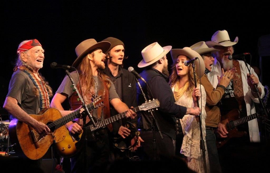 All in the Family: What would a Lubbock Reunion be without an all-star grand finale? (from left) Willie Nelson, Lukas Nelson, Micah Nelson, Nathaniel Ratliff, Margo Price, John Doe, and Ray Benson. (Photo by John Carrico)