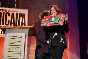 The Spirit of Americana: Rosanne Cash with her Free Speech Award. (Photo by Erika Goldring/Getty Images for Americana Music Association)